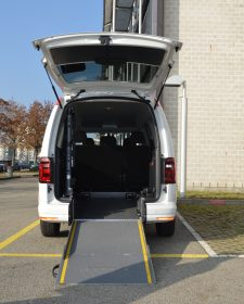 VW Caddy 03